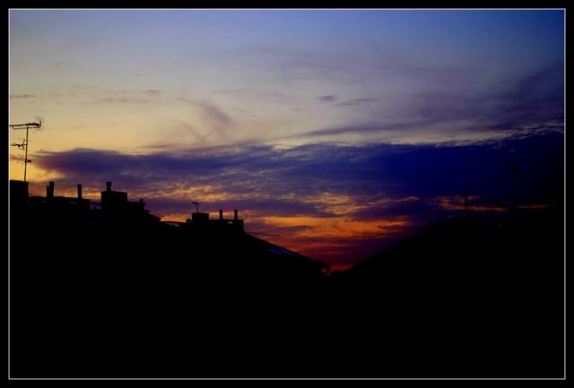 Zachód słońca nad blokami na Diamentowej