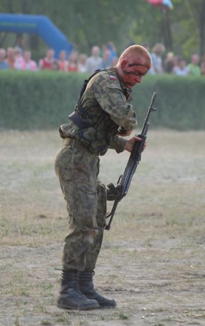 Pokaz żołnierzy - Piknik Wesoła 2008
