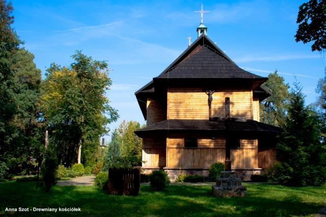 Drewniany kościółek II