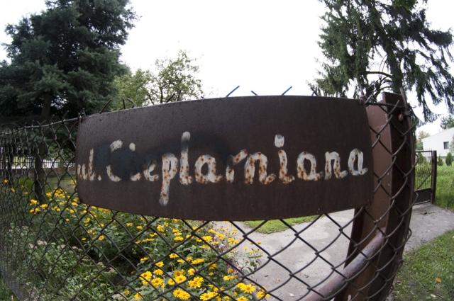Stara tabliczka na ul. Cieplarnianej