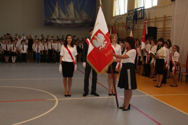 Uroczystość nadania imienia Szkole Podstawowej nr 353